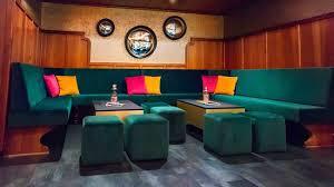 unsere lounge urbaner charme mit wohlfühlfaktor bild