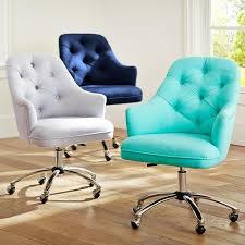 bureau coloré 20 chaises de bureau élégantes et confortables designdemaison