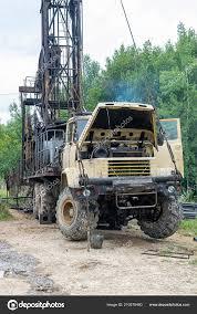 100 Rig Truck Mobile Oil Drilling Oil Well Stock Photo Dragunov