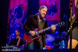 100 Derek Trucks Wife Voted 16 Greatest Guitarist By Rolling Stone