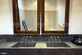 moderne badewanne im badezimmer stockfoto und mehr bilder architektonisches detail