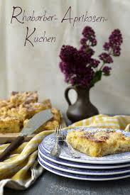rhabarber aprikosen kuchen mit schmandguss und streuseln
