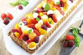 dessert aux fruits d ete sablée à la mousse légère au chocolat blanc et aux fruits d été