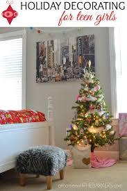 25 Unique Christmas Room Decorations Ideas On Pinterest