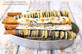 Halloween Pretzel Rods by Candy Dipped Pretzel Rods Love Bakes Good Cakes