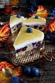 welfenkuchen mit weintrauben und zweierlei cremes zungenzirkus