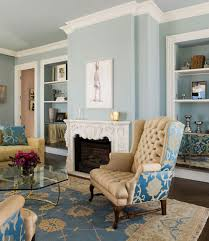 create a relaxed feel in living room use calm blue wall at dekorify