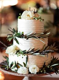 Buttercream Wedding Cakes With Roses And Greenery For Rustic Weddings