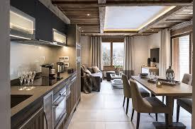 cuisine americaine de luxe cuisine américaine chalet montagne luxe moderne bois brut