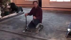 How Does A Carpet Stretcher Work by Power Stretcher Vs Knee Kicker Youtube