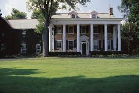 Colonial Homes by What Is The Difference Between Colonial And Traditional Home