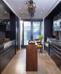 cuisine parall鑞e comment aménager une cuisine en longueur types avantages et astuces