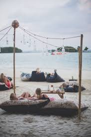 Wicked Tuna Boat Sinks by Best 25 Beach Cafe Ideas On Pinterest Beach Restaurant Design