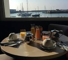 hotel du port lesconil petit déjeuner vue sur mer photo de hotel du port lesconil