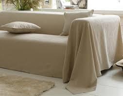 plaid sur canapé plaid et jetés piqué de coton becquet