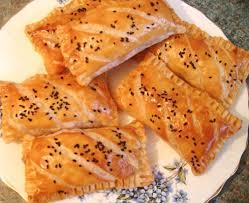 recette de pate au thon mini pastillas au thon fromage olives recettes a la pâte