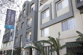 100 Century 8 Noho House North Apartments