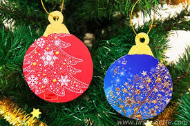 Recycle Old Christmas Cards Into Tree Ornaments
