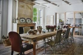 Interior Rustic Dining Room Tables For Sale Shiny Brown Varnishes Single Pedestal Base Polished Hardwood Table