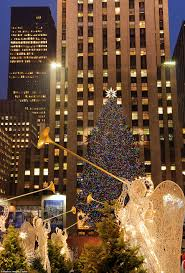 Rockefeller Center Christmas Tree Fun Facts by History Of The Rockefeller Center Christmas Tree Daily Mail Online