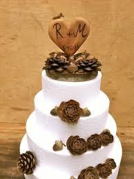 Simple Rustic Winter Wedding Cakes Ideas 40