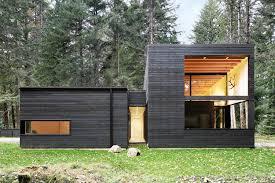 104 Contemporary Cedar Siding Photo 1 Of 10 In Courtyard House On A River By Kelly Dawson Dwell