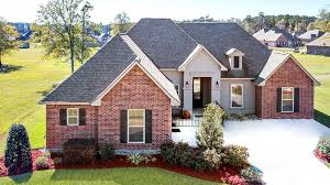 100 Model Home Woodlake Estates