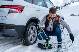 Snow Chains Can Be Very Helpful - ŠKODA Storyboard