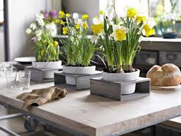 Elegant Flower Arrangements And Spring Decorating Ideas For Dining