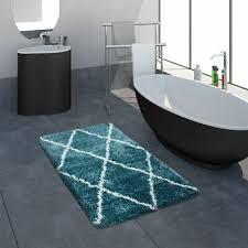 badematte badezimmer shaggy hochflor einfarbig mit weißem