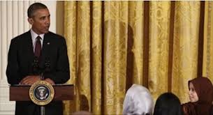 Obama Muslim Prayer Curtain by Obama Goes Out Of His Way To Remove American Flag In The White