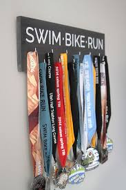 Great DIY Way To Display All Your Race Medals This One Is For Triathlon