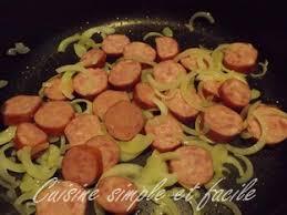 cuisiner des saucisses fum馥s poêlée de pommes de terre et saucisse fumée cuisine simple et facile
