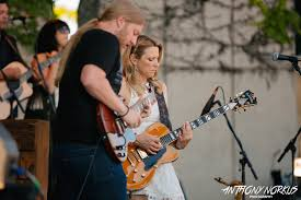 Tedeschi Trucks Bands Simmers With Genre-defying Kaleidoscope