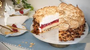 fluffig cremig leckere johannisbeer baiser torte baisertorte mit johannisbeeren kuchenfee