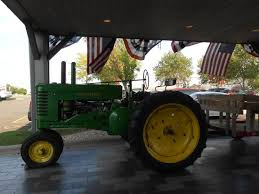 Machine Shed Easter Brunch Rockford Il by Tractor In Covered Entryway Picture Of Machine Shed Rockford