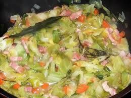 recettes de cuisine avec le vert du poireau embeurrée de choux poireaux carottes et lardons mes petites