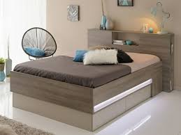 eclairage led chambre tete de lit avec eclairage led palette faire dossiers tablette