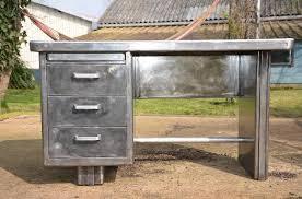 bureau m allique bureau métallique strafor ées 50 mobilier industriel mobilier