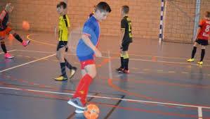 technique de foot en salle avec l asv les u12 u13 se perfectionnent aux techniques de foot