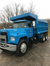 Mack R686ST Tandem Axle Dump Truck , 300 Plus Mack Engine, 6 Speed ...