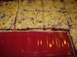 rote grütze kuchen mit streuseln