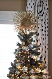 20 Traditional And Creative Christmas Tree Toppers