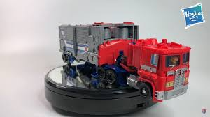 Video Review Of Transformers Power Of The Primes Leader Optimus ...
