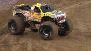 100 Team Hot Wheels Monster Truck Sonuva Digger VS Firestorm Jam Racing Semi