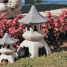 Amazoncom Design Toscano Asian Decor Pagoda Lantern Outdoor