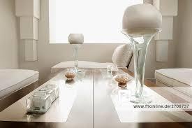 luxus wohnzimmer mit säulen