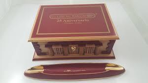 Cigar Cabinet Humidor Uk by La Gloria Cubana 25th Anniversary Humidor And Ashtray Cigars