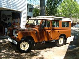 Brown Truck :: 1982 Land Rover 109