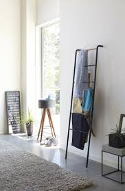 kleiderablage im schlafzimmer die leiter einfach an die